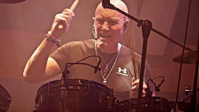 "Drummer CHRIS SLADE Says AC/DC Won't Be Touring In 2020, But He's Ready To Join The Band In 2021 - ""I'm Always Ready To Go"""
