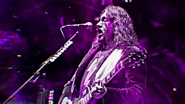 "ACE FREHLEY - ""Every Year I'm Away From Drugs And Alcohol, Some Of The Memory Cells Are Coming Back"""