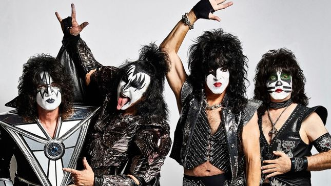 "PAUL STANLEY - ""There's KISS DNA In Every Show You Go To See... Rock Star, Rap Star, Doesn't Matter""; Video"