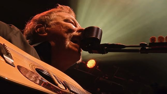 """Helping Hands Of America >> METALLICA Performs """"The Four Horsemen"""" At AWMH Helping Hands Concert; HQ Video - Bravewords.com"""