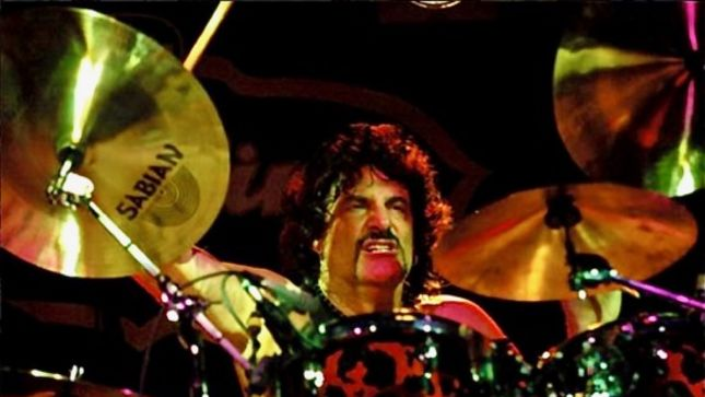 "CARMINE APPICE To Re-Release Guitar Zeus Compilation; Includes New Songs With RON ""BUMBLEFOOT"" THAL, PAT TRAVERS, JOHN NORUM And More"
