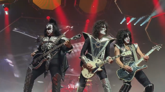 KISS - Front Row Fan-Filmed Video Of Entire End Of The Road Vancouver Show Posted