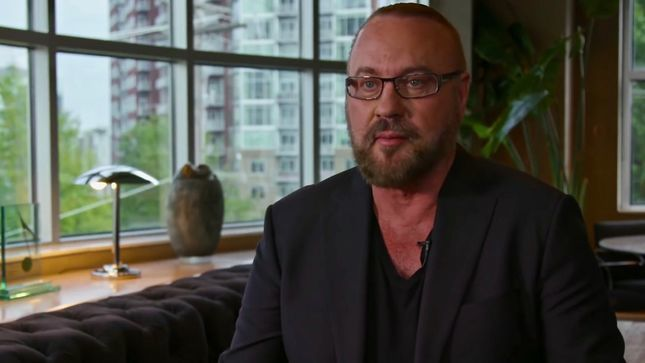 "Songwriter DESMOND CHILD Talks KISS Hit That Launched His Career, Reveals Personal Inspiration For BON JOVI's ""Livin' On a Prayer"" (Video)"