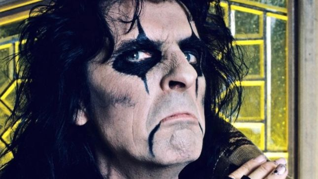 "ALICE COOPER Looks Back On His ""Elected"" Era - ""There Was Nobody More Hated In That World Than RICHARD NIXON, Except For Me"" (Video)"