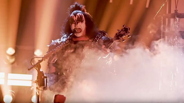 "Watch KISS Perform ""Deuce"" At Intimate Whisky A Go Go Concert; HQ Video"