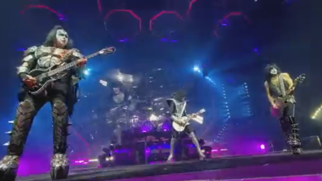 KISS Post Single-Cam Photo Pit Video Of