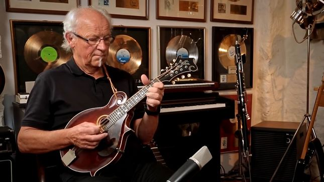 guitarist martin barre on former jethro tull bandmate ian anderson we have no connection. Black Bedroom Furniture Sets. Home Design Ideas