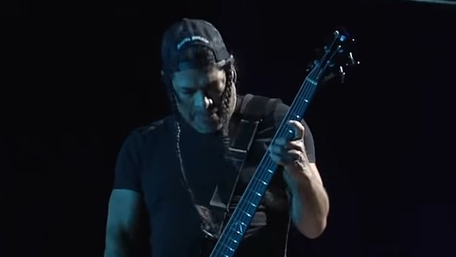 "METALLICA - Pro-Shot Video Of ""Frantic"" From 2019 European Stadium Tour Kick-Off"