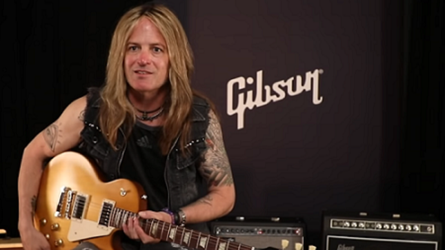 "DOUG ALDRICH Demos The New Les Paul Tribute Guitar - ""You Can Try And Reinvent The Wheel, But It's Still Pretty Much Round"""