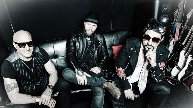 SUPERSONIC BLUES MACHINE To Release Road Chronicles: Live! Album; ZZ TOP's BILLY F. GIBBONS Featured On Six Tracks;
