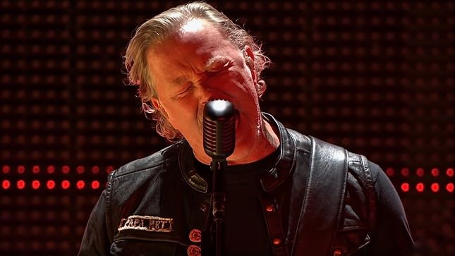 "METALLICA Perform ""The Thing That Should Not Be"" In Barcelona; HQ Video Streaming"
