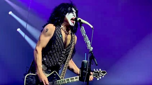 "KISS - PAUL STANLEY Says ""The Door Is Open"" For ACE FREHLEY And PETER CRISS To Make Appearances During The End Of The Road Tour"