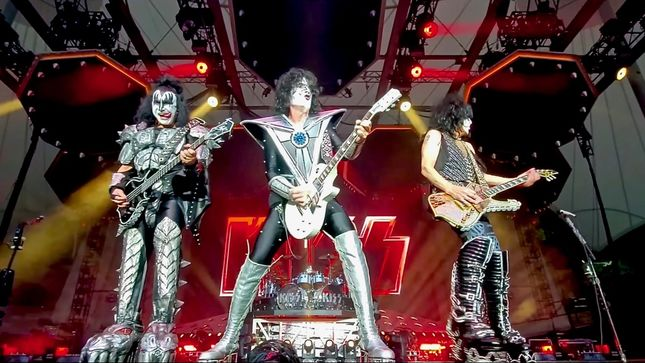 "KISS - ""Rock And Roll All Nite"", ""Lick It Up"" HQ Live Clips From Germany Streaming"