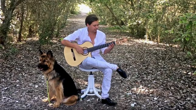 "THOMAS ZWIJSEN Performs Acoustic Rendition Of IRON MAIDEN's ""Quest For Fire""; Video"