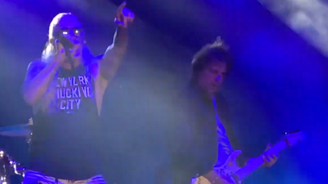 "KINGS OF CHAOS - DEE SNIDER And WARREN DEMARTINI Perform RATT's ""Wanted Man"""