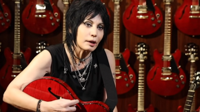 "JOAN JETT Talks Signature Gibson Guitar In New Video - ""Give Her A Chance, She'll Blow Your Mind"""