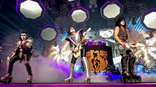 "KISS Release ""Black Diamond"" Pro-Shot Live Video From Sunrise, Florida"