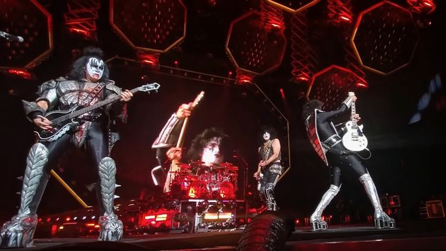 "KISS - ""Let Me Go, Rock 'N' Roll"" Pro-Shot Video From Virginia"