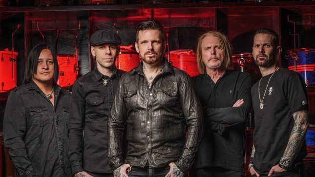 "BLACK STAR RIDERS Guitarist SCOTT GORHAM Talks New Album - ""We Tried To Carry The THIN LIZZY Way Of Thinking; We Don't Want To Sound Like Anyone Else"""