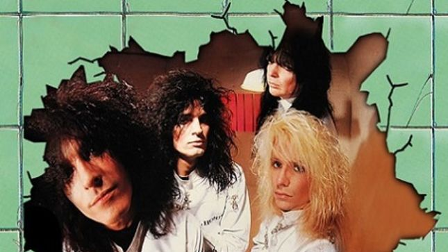 MÖTLEY CRÜE - Dr. Feelgood 30th Anniversary Deluxe Edition Box Set To Arrive In April