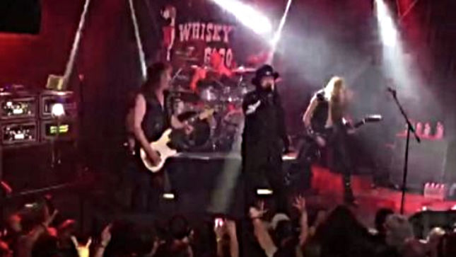 """Former ANTHRAX Vocalist NEIL TURBIN Performs """"Hector's Hymn"""" With HAMMERFALL In Los Angeles; Video Available"""