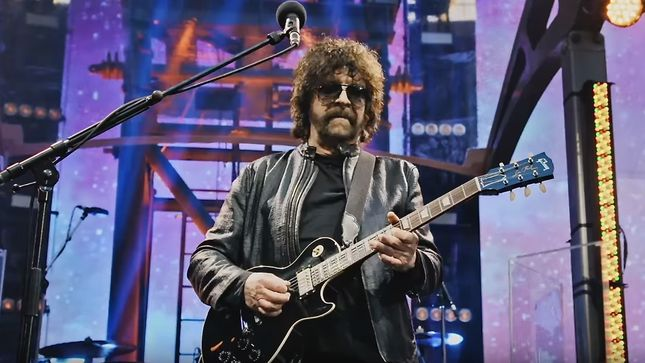 JEFF LYNNE Has 2,000 Cassette Tapes Of Unheard ELO Tracks But Can't Play Them!
