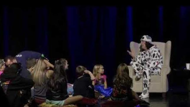 PAUL STANLEY Holds Kid-Friendly Q&A On KISS Kruise IX (Video)