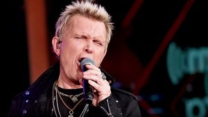 "BILLY IDOL Explains How ""Rebel Yell"" Was Inspired By Partying With THE ROLLING STONES; Video"