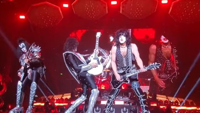 "KISS - Pro-Shot Footage Of ""Let Me Go, Rock 'N' Roll"" In Morioka"