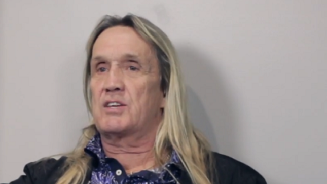 "IRON MAIDEN Drummer NICKO MCBRAIN Explains Absence Of Video Screens From The Legacy Of The Beast Tour - ""We're Old School, We Want It To Be Theatre"""