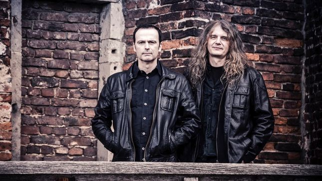 "HANSI KÜRSCH Talks BLIND GUARDIAN TWILIGHT ORCHESTRA - ""We've Really Paid Tribute To Every Original Intention"""