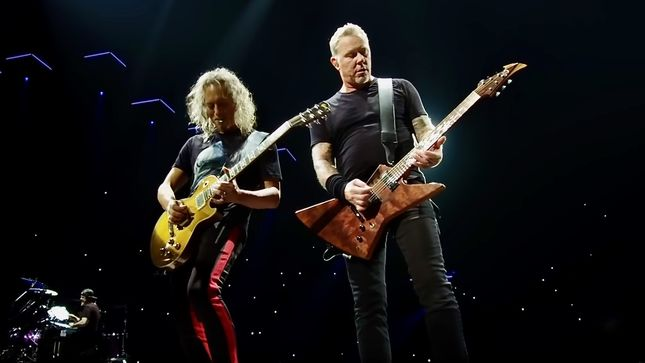 "METALLICA Perform ""Nothing Else Matters"" In Barcelona; HQ Video Streaming"