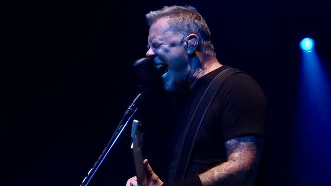 Watch METALLICA Perform