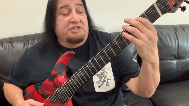 "FEAR FACTORY's DINO CAZARES Demonstrates The Riff To ""Replica"""