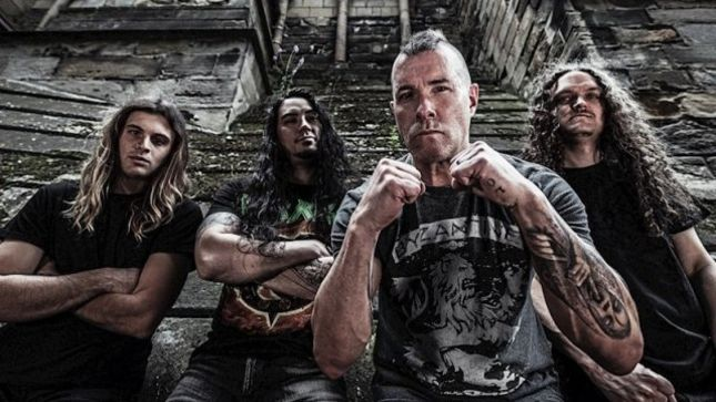 """ANNIHILATOR Frontman JEFF WATERS Posts """"Alison Hell"""" Live Side Stage Footage From The Archives"""