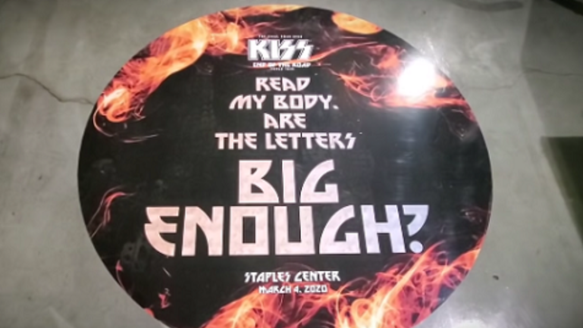 KISS - Backstage Video From End Of The Road Tour Los Angeles