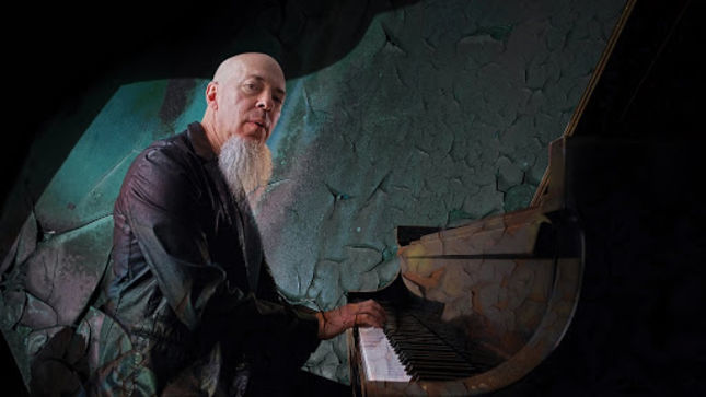 JORDAN RUDESS Performs DREAM THEATER, GENESIS, YES, KING CRIMSON And DAVID BOWIE Classics During Mercury Insurance Concert Series Solo Show; Video Available