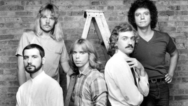 "DENNIS DeYOUNG Talks Wanting A STYX Reunion - ""I Don't Wanna Be Back In The Band; Just One Last Tour To Say 'Thank You'"""