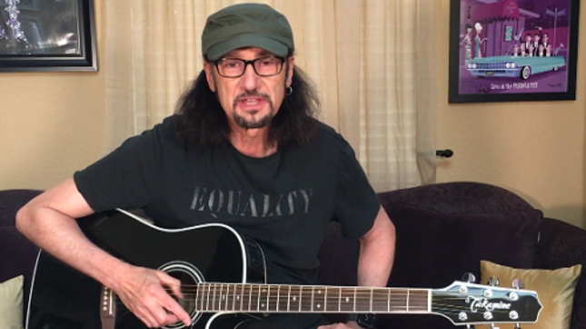 Former KISS Guitarist BRUCE KULICK, WARRANT Guitarist ERIK TURNER Guest On Talking Metal Podcast (Video)
