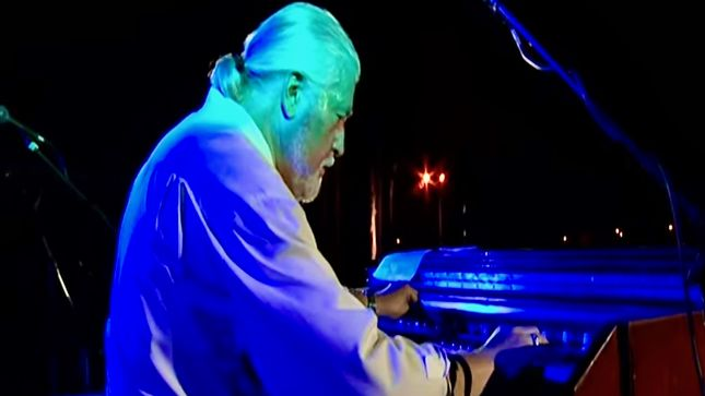 "JON LORD & THE HOOCHIE COOCHIE MEN Perform ""24/7 Blues"" In Australia; Rare 2003 Video Streaming"