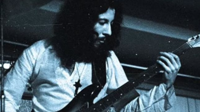 FLEETWOOD MAC Co-Founder, Influential Guitarist PETER GREEN Passes Away At 73