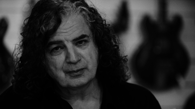 "KING CRIMSON's JAKKO M JAKSZYK Releases ""It Would All Make Sense"" Video"