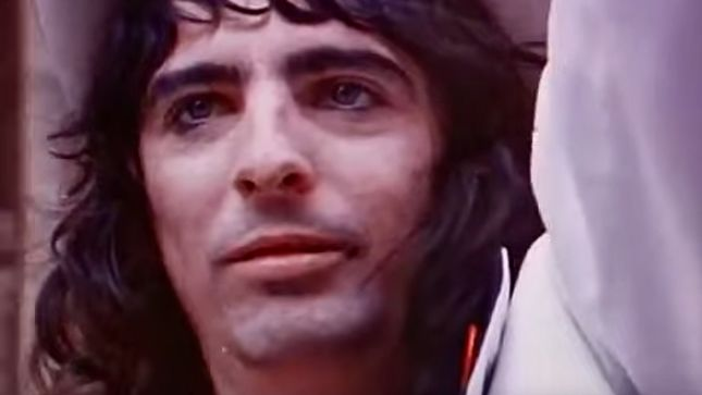 "ALICE COOPER Dusts Off 1972's ""Elected"" Music Video"