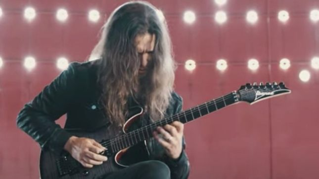 MEGADETH Guitarist KIKO LOUREIRO - Jazz Licks For Metal Guitarists (Video)