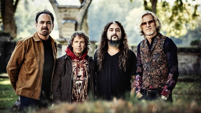 "TRANSATLANTIC Supergroup Feat. NEAL MORSE, MIKE PORTNOY Release Music Video For ""Overture / Reaching For The Sky""; First Single From New Album The Absolute Universe"