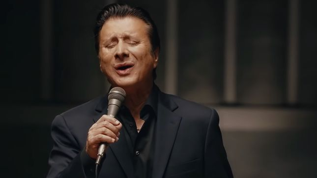 "STEVE PERRY Streaming ""No Erasin'"" (Acoustic) From Upcoming Traces (Alternate Versions & Sketches)"