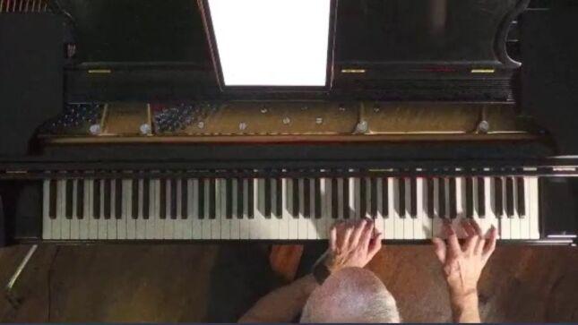 DREAM THEATER Keyboardist JORDAN RUDESS Posts New Year's Piano Stream (Video)