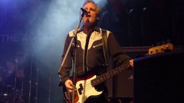 Former AC/DC Bassist MARK EVANS Looks Back On The Early Days Of The Band; Getting Fired -