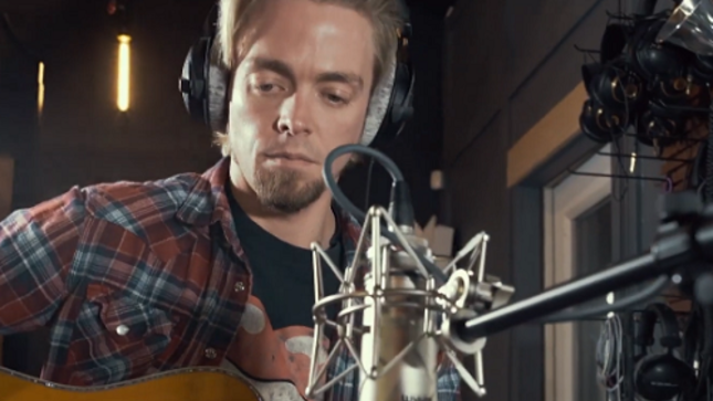 "BLACK STONE CHERRY - ""In Love With The Pain"" Unplugged Video"