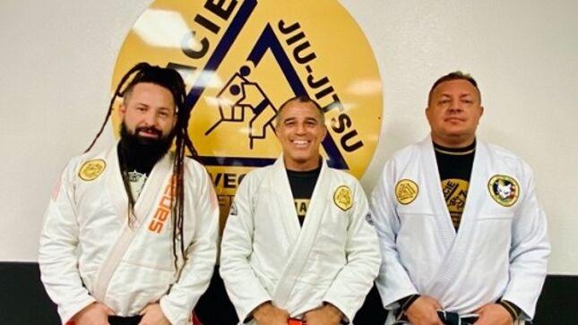 FIVE FINGER DEATH PUNCH Guitarist ZOLTAN BATHORY Earns Black Belt In Brazilian Jiu-Jitsu